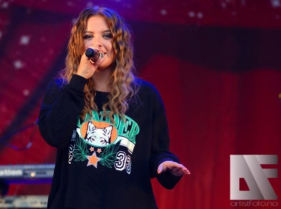 Alexandra Rotan 2014 1