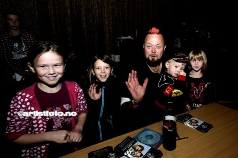 Asgeir- Sjefen over alle sjefer Fra venstrer: Marie, Sofie, Asgeir, Fredrik og Ingrid