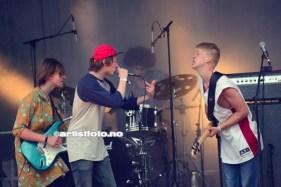 Cheap Karma var første band ut på lørdag