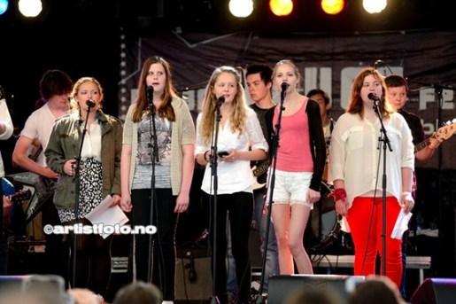 Cup Singer Girls