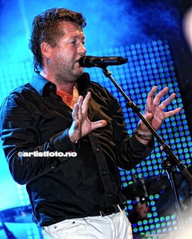 Vokalist Bjarne Brøndbo og D.D.E. leverte kjempebra på årets Skalldyrfest