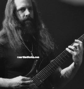 John Petrucci er rangert som en av verdens beste gitarister. Han startet å spille når han var bare 8 år