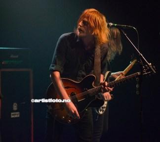 Vokalist og gitarist Joakim Nilsson i bandet Graveyard