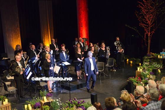 Mandal Byorkester og Lill LIndfors_2015©Artistfoto.no_004