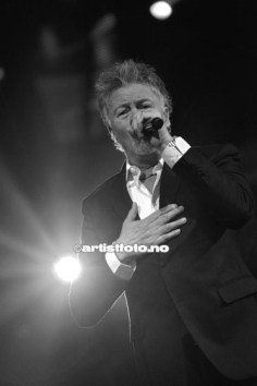 Paul Young i levende live