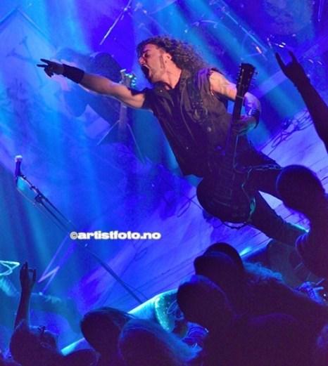 Gitarist George Emmanuel ga alt på Kick Scene denne aftenen