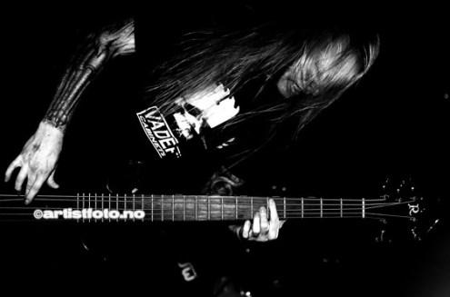 Suffocation_©Copyright.Artistfoto.no-003