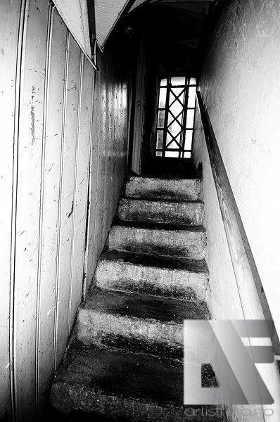 Trappa ned til den berømte kjelleren til Deathlike Silence og samlingstedet til Øystein Aarseth og gjengen