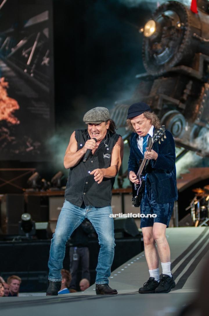 AC / DC header