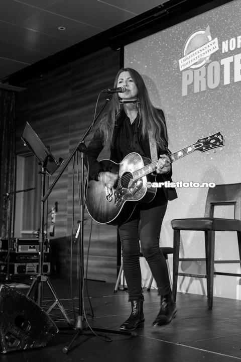 Claudia Scott på Protestfestivalen 2020 , Kristiansand. Foto: Svein Erik Nomeland