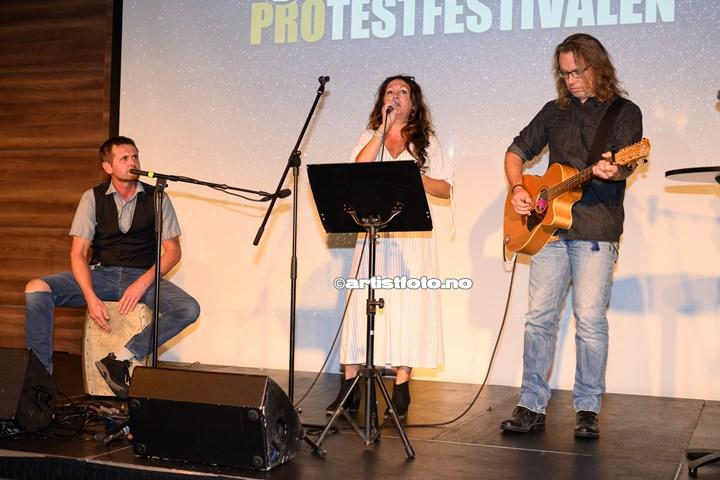 Kira J på Protestfestivalen 2020 , Kristiansand. Foto: Svein Erik Nomeland