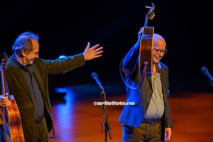 To rustne herrer, med Jonas Fjeld og Ole Paus, hadde konsert i Kilden i Kristiansand. Foto: Svein Erik Nomeland